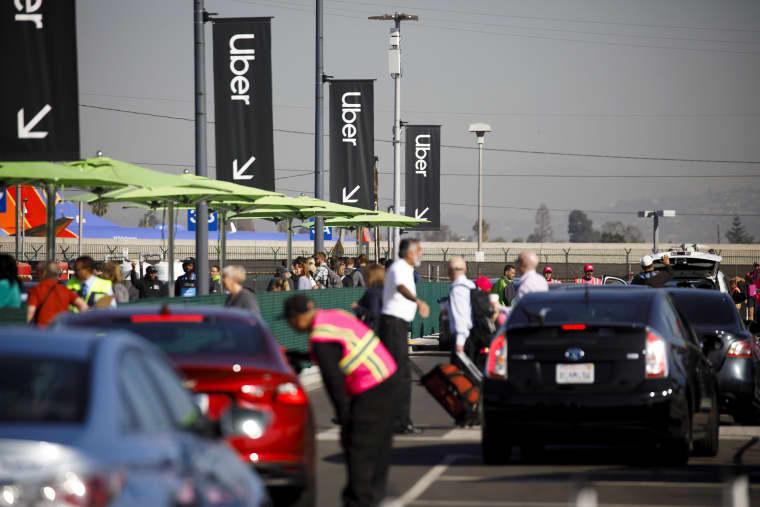 Uber & Lyft Curbside Pickup Ban At Los Angeles International Airport Begins