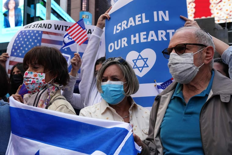 Image: A pro-Israel gathering in Times Square in New York