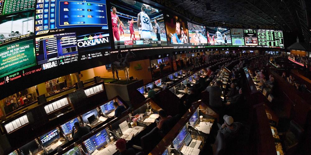 180425-sports-betting-vegas-njs-1010a_36