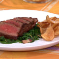 Make this roasted steak with spinach, bacon, potato chips