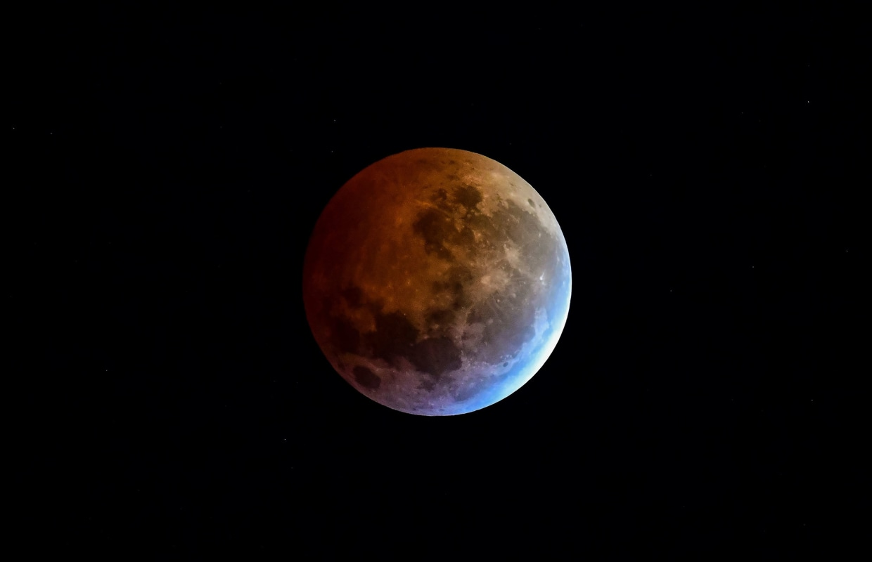 Photos: Super blood wolf moon marks first lunar event of 2019