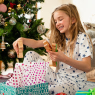 the best gifts for 8 year olds according to child development experts