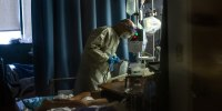 Image: Dr cares for Coronavirus patient