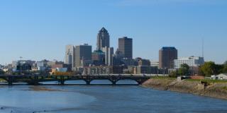 Image::Image: Downtown Des Moines Iowa skyline|Shutterstock