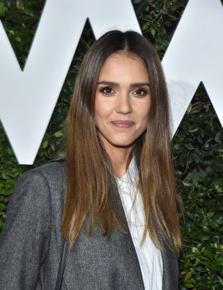 Jessica alba new haircut best haircut in the word 2017 jessica alba hair and make up looks glamour uk urmus Images