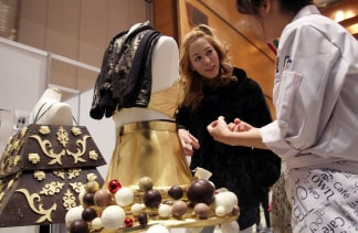 Cocoa Chanel Fashion Show Features Chocolate Couture