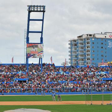 Image: CUBA-US-OBAMA-BASEBALL