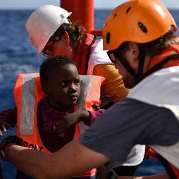 Image: TOPSHOT-ITALY-AQUARIUS-REFUGEES-SEA-IMMIGRATION-LIBYA
