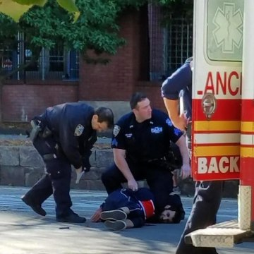 Image: Police hold down suspect Sayfullo Habibullaevic Saipov after an attack in New York