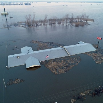 Image: The roof of the Bluff View Motel is seen during the flooding of the Missouri River near Glenwood