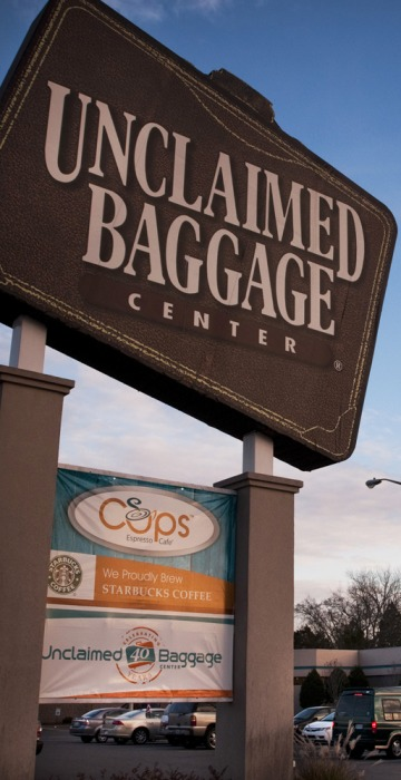 Image: Unclaimed Baggage Center