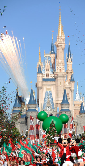 disney parks christmas day parade special taped at magic kingdom