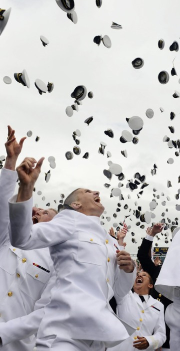 Image: US President Barack Obama delivers the commencement address for the United States Naval Academy