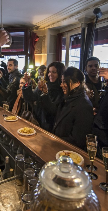 Image: Carillon restaurant reopens two months after Paris attacks
