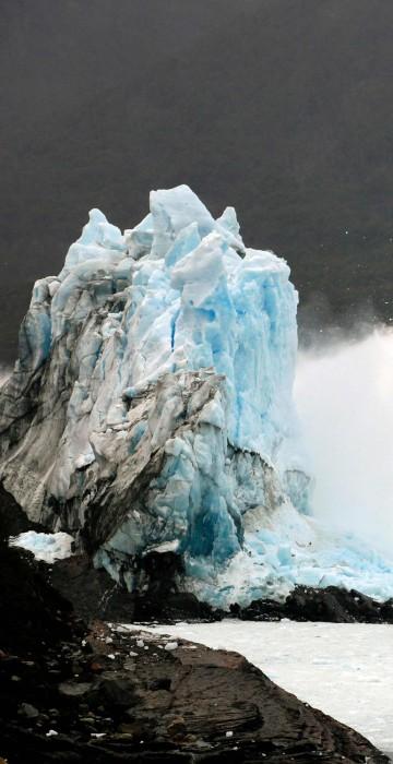 Image: TOPSHOT-ARGENTINA-GLACIER-PERITO MORENO