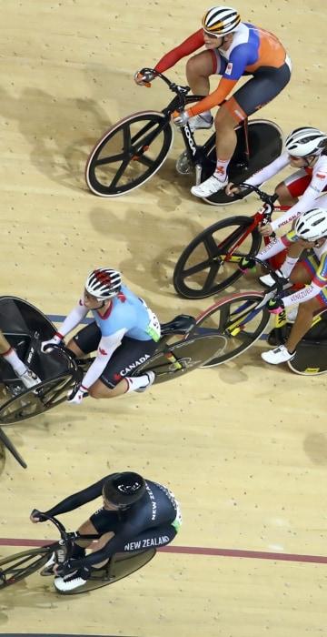 Image: Cycling Track - Women's Omnium 10km Scratch Race