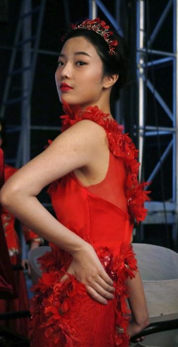 Image: Tsai Meiyue - Backstage - Mercedes-Benz China Fashion Week