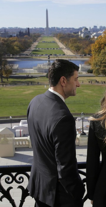 Image: Speaker of the House Paul Ryan shows Melania Trump and U.S. President-elect Donald Trump the Mall in Washington.