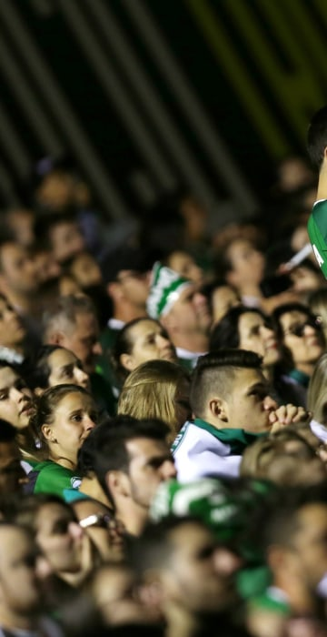 Image: Fans of Chapecoense soccer team pay tribute to Chapecoense's players at the Arena Conda stadium in Chapeco