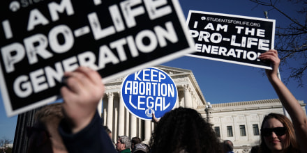 Image: Pro-life and pro-choice activists during the March for Life in front of the Supreme Court on Jan. 19, 2018.