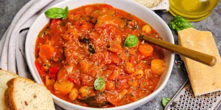 Simple Italian Veggie and Chickpea Stew
