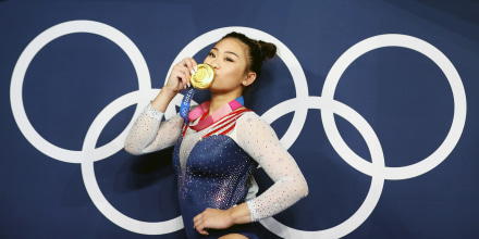 Image: Sunisa Lee kisses her medal at the Tokyo Olympics on July 29, 2021.
