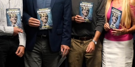 Image: Supporters of recall effort on Newsom