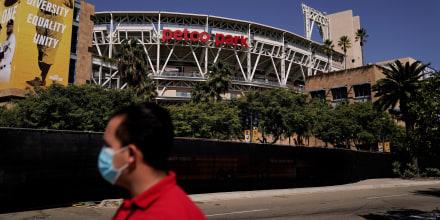 El Petco Park fue inaigurado en 2004. Tiene capacidad para 44,000 personas y es la casa del equipo de beisbol Padres de San Diego.