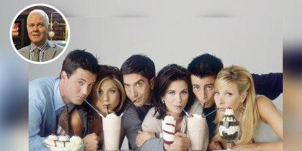 Elenco principal de 'Friends' en set.