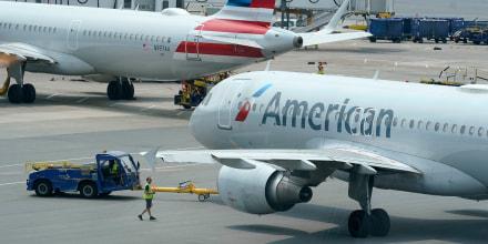"""""""Los actos de violencia contra los miembros de nuestro equipo no serán tolerados por American Airlines"""", dijo la compañía en una declaración escrita luego de una agresión a una azafata que obligó a desviar un vuelo de Nueva York a California el 27 de octubre de 2021."""
