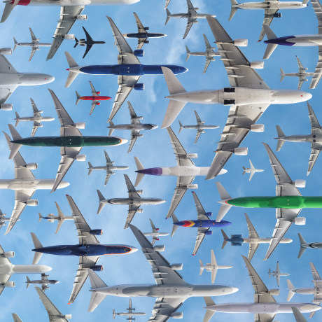Image: Separting planes at Los Angeles International Airport