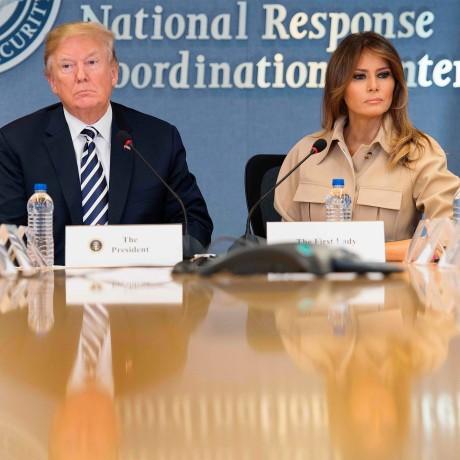 Image: Trump and Melania Trump visit FEMA headquarters