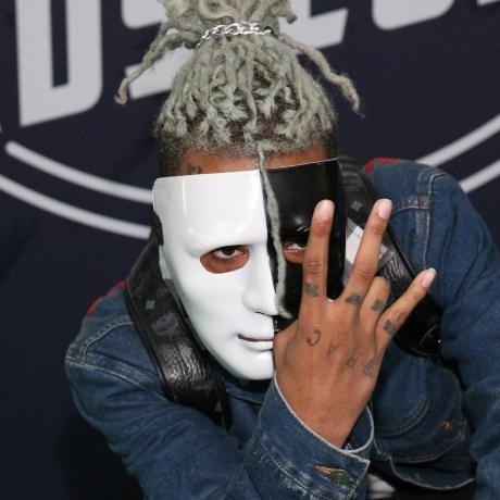 Image: Rapper XXXTentacion attends the BET Hip Hop Awards 2017