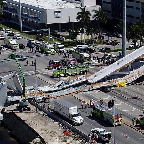 Image: Florida walkway collapse