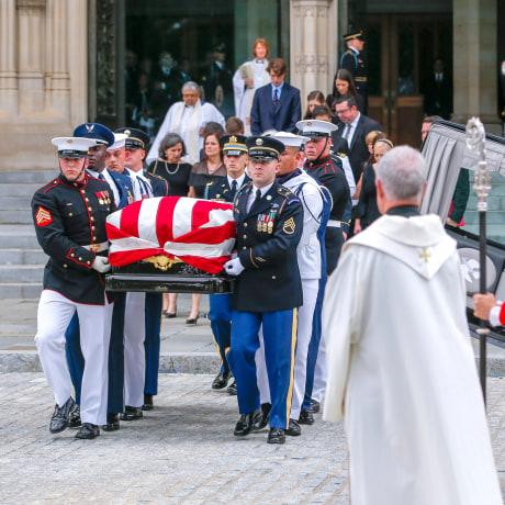 Image: Memorial sevice for Senator John McCain at the Washington National Cathedral