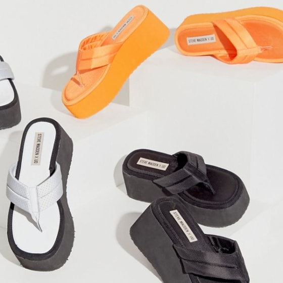 5a9e2be0526 Steve Madden is bringing back its iconic sandals — yes