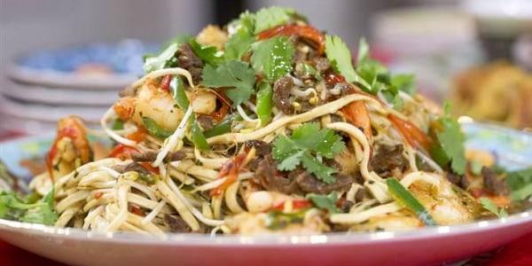 Longevity black pepper Shanghai noodles