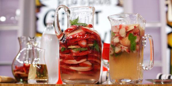 Low-Calorie Sparkling White Peach, Strawberry & Basil  Sangria
