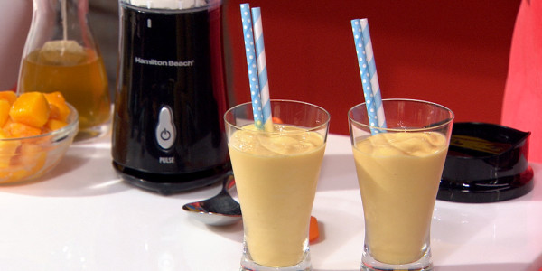 Joy Bauer's Mango-Green Tea Smoothie