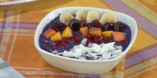 Blueberry Almond Smoothie Bowl