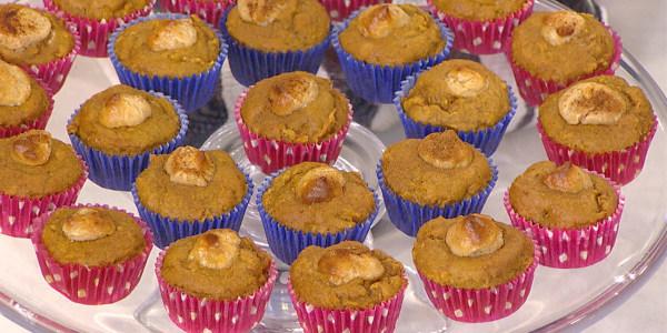 Rochelle's Lightened Pumpkin Spice & Apple Cream Cheese Muffins
