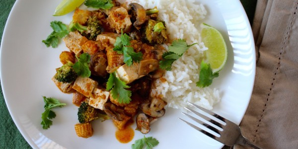 Easy Thai tofu with red coconut curry