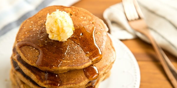 Gingerbread pancakes make the weekend even sweeter