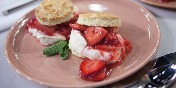 Al's 'Sexy' Strawberry Shortcakes