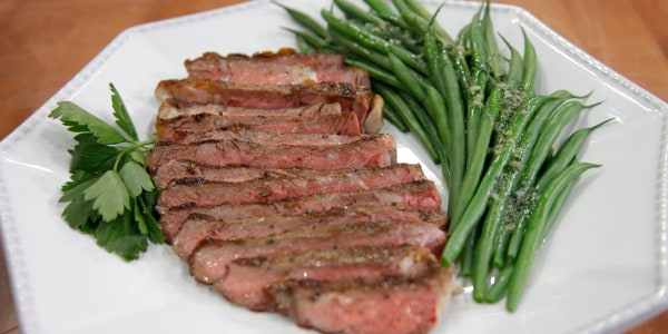 Easy Steak with Herb Butter and Green Beans