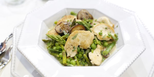 20-Minute Creamy Chicken Fricassee with Peas and Asparagus