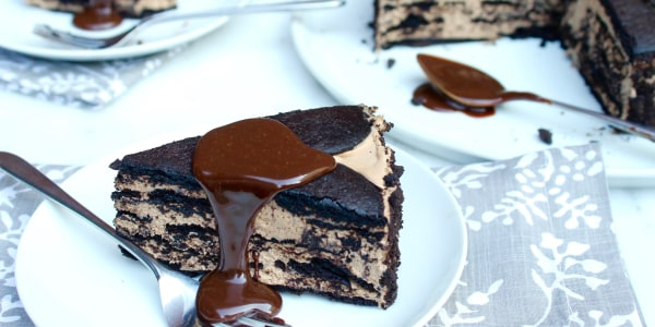 5-Ingredient No-Bake Chocolate Coffee Icebox Cheesecake