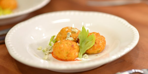 30-Minute Easy Buffalo Chicken Meatballs