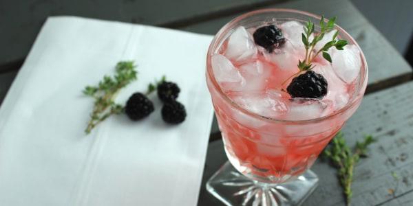 Blackberry Thyme Spritzer Cocktail