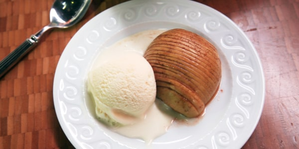 Hasselback Apples with Cinnamon and Sugar